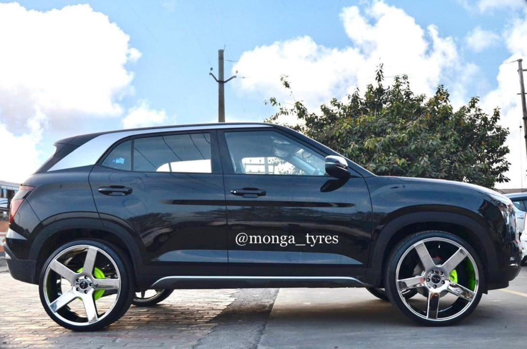 Hyundai-Creta-modified-22-inch-wheels-3