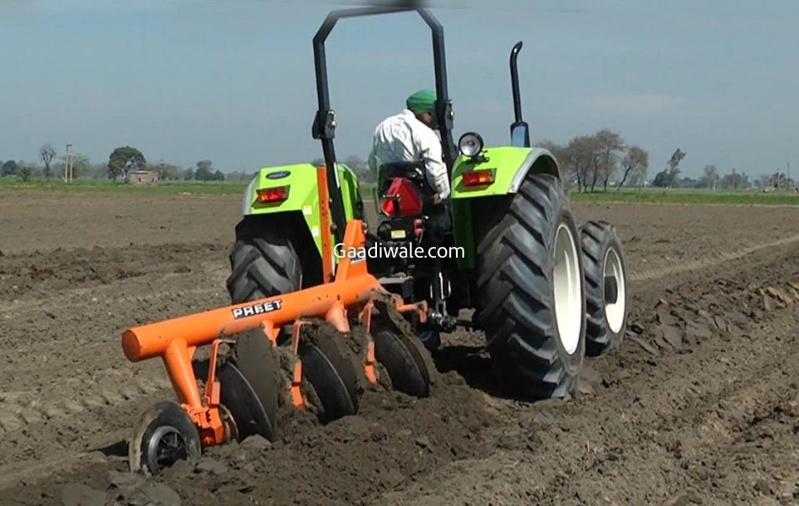 preet 2549 4WD tractor-3